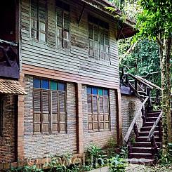 012 Lodge at Khao Sok NP Thailand