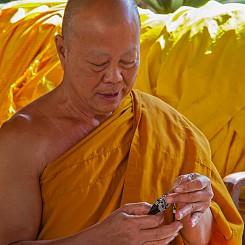 037 Monk Prayer Thailand