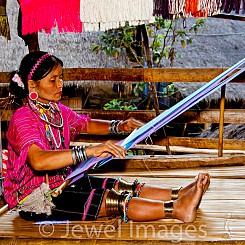 054 Longneck Tribe Weaving Thailand