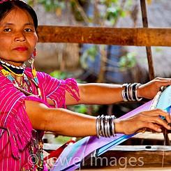 055 Longneck Tribe Weaving Thailand