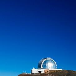 068 Mauna Kea Observatory with Moon L012